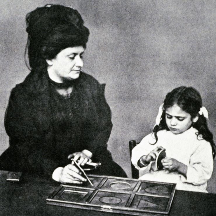 ein kinderhaus in italien - Maria Montessori Lebenslauf